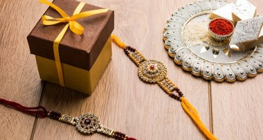 5 Vintage Gifts Ideas to Surprise an Antiquarian Sister on Rakhi