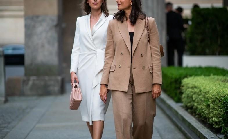 6 Sleeveless Dressing Styles for Office Girls